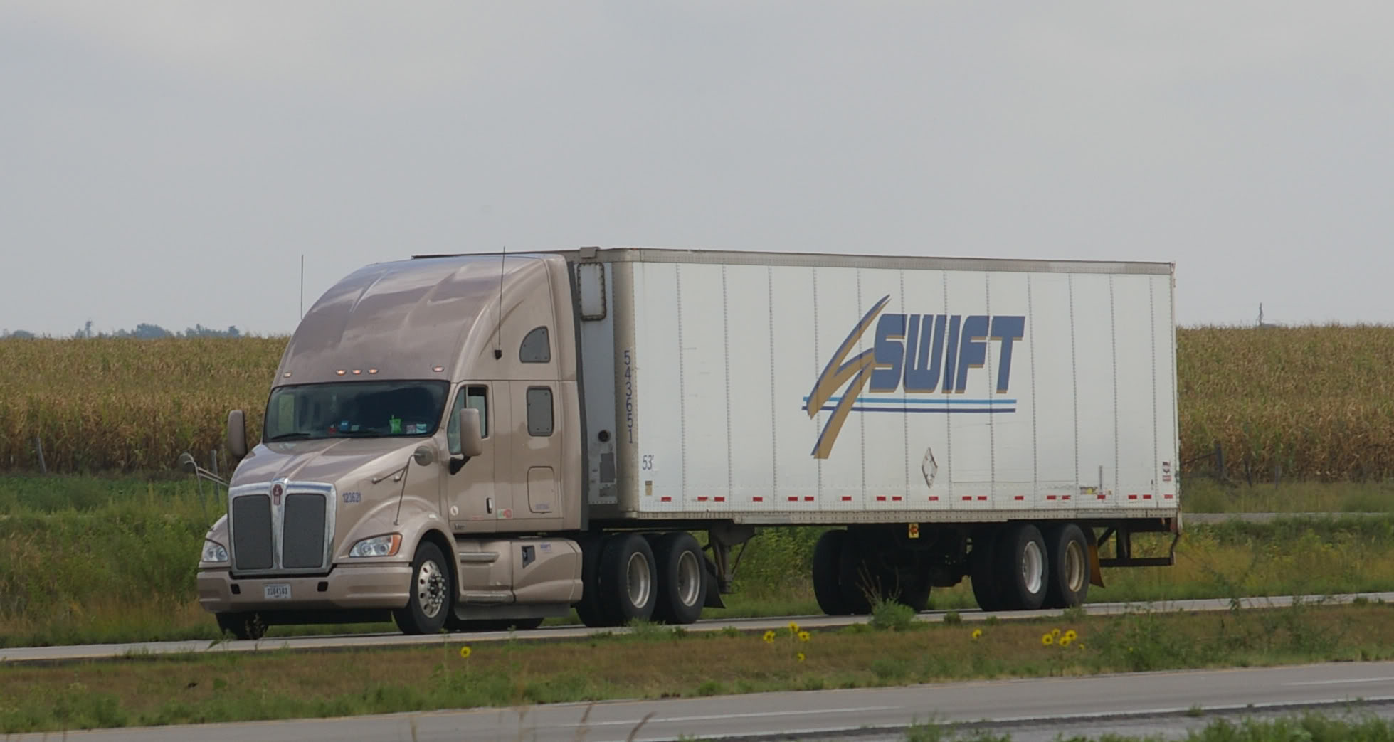 Knight and Swift Transportation Join Together To Form Trucking Giant